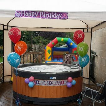 birthday-party-with-hot-tub